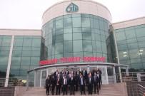 MÜZAKERE - Trabzon İle Giresun Ticaret Borsası Kardeş Borsa Protokolü Yaptılar