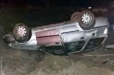 Yavru Köpeğe Çarpmamak İçin Manevra Yapan Otomobil Takla Attı Açıklaması 2 Yaralı