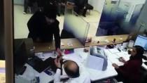Avcılar'da Banka Soyan Kişi Polise Teslim Oldu
