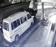 Bağcılar'da Tır Hırsızlığı Kamerada