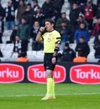 Beşiktaş Taraftarından Kırmızı Kart Tepkisi