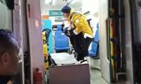 Bingöl'de Karda Hastaneye Götürülemeyen Bebeğe Paletli Ambulansla Ulaşıldı