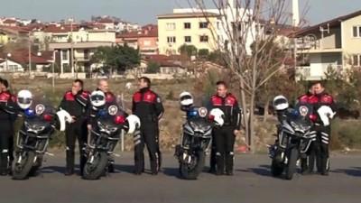 Denizli'de Eğitimini Tamamlayan Yunus Polisleri Gösteri Yaptı
