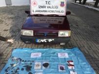 ŞÜPHELİ ARAÇ - İzmir'de Yol Kenarında Bulunan Cesedin Sırrı Çözüldü