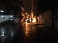 Maskeli Bir Grup Yoldan Geçen Aracı Kurşun Yağmuruna Tuttu