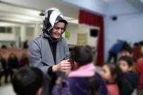 Melek Arı Ve Gönüllü Kadınlar Çocuklar Üşümesin Diye Ördü