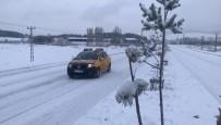 Sarıkamış'ta Kar Yağışı Etkisini Sürdürüyor