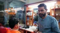 DIPLOMASı - 'Sosyolog Berber'in Okuma Azmi Üniversitelilere Ödev Konusu Oldu