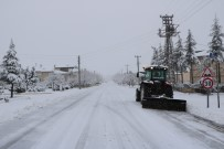 Uçhisar Belediyesi Ekipleri Karla Mücadele Ediyor