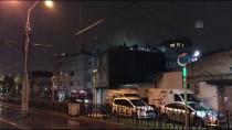Bağcılar'da Çatı Katında Çıkan Yangın Söndürüldü