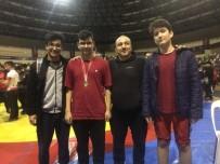 İhlas Koleji Öğrencisi Güreşte İstanbul Şampiyonu