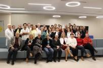 HOUSTON - Radyoterapi Gören Hastalar Ve Doktorlarından Erken Yeni Yıl Kutlaması