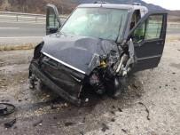 Tosya'da Trafik Kazası Açıklaması 2 Yaralı