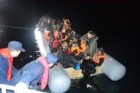 KÜÇÜKKÖY - Ayvalık'ta 40 Düzensiz Göçmen Yakalandı