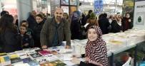 MERINOS - Bursalı Yazar 'Küçük Anne' Tuğçe Çakır İmza Gününde Takipçileriyle Buluştu