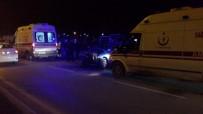 SAKARYA ÜNIVERSITESI - Hafif Ticari Araç İle Otomobil Çarpıştı Açıklaması 5 Yaralı