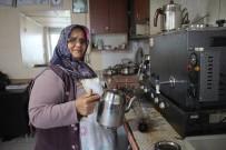 ÇAY OCAĞI - Kocasına Yardım İçin Geldiği Sanayide 10 Yıldır Çay Ocağı İşletiyor