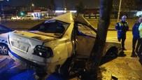 Otomobil Ağaca Çarptı Açıklaması 2 Yaralı