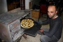 (Özel) Erzincan'da Soğuk Kış Gecelerinin Vazgeçilmez Lezzeti Kaşarlı Patates
