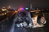 TEM Otoyolunda Kaza Yapan Cip Bariyerlere Girdi