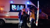 ESKIHISAR - Hafif Ticari Araçla Otomobil Kafa Kafaya Çarpıştı Açıklaması 4 Yaralı
