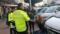 YıLDıZLı - Hollandalı Kadın Turist Trafik Polislerine Zor Anlar Yaşattı