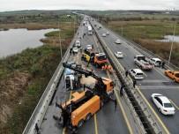 TEM'de Çöp Kamyonu Yan Yattı Açıklaması Trafik Kilitlendi