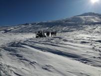 BAZ İSTASYONLARI - Uludağ'da Kayıp Dağcıları Arama Çalışmaları Aralıksız Sürüyor
