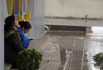 Antalya'da Sağanak Yağış Hayatı Felç Etti