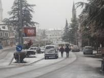 ELEKTRİK KESİNTİSİ - Antalya 'Nın Korkuteli İlçesinde Kar Kalınlığı 25 Santime Ulaştı, Elektrikler Kesildi