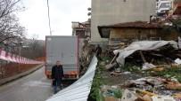 ÇORUH - Aracının Lastiğini Değiştirirken, Çöken İstinat Duvarının Altında Kaldı