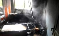 Edremit'te Bacadan Çıkan Kıvılcım Evi Yaktı