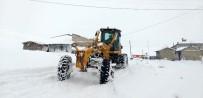 Erzincan'da Kar Ve Tipi Dolayısıyla 49 Köy Yolu Ulaşıma Kapandı