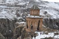 Karslı Dağcılar Yeni Rotalarla Turizme Hizmet Veriyor