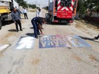 KORKULUK - Köy Yollarındaki Trafik İşaret Ve Levhaları Yenilendi.