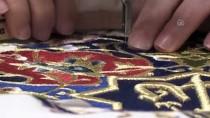 OSMAN HAMDİ BEY - Nakış Ustası İğne İplikle 'Resim' Yapıyor