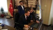 Silivri Belediye Başkanı Yılmaz AA'nın 'Yılın Fotoğrafları' Oylamasına Katıldı