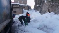 Temizlik İşçilerinin Zorlu Kış Mesaisi