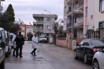GÖRGÜ TANIĞI - Torbalı'da Zanlının Saklandığı Evden Silah Çıktı