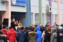 Üsküdar'da Her Okula Bir Sokak Köpeği Projesi Devam Ediyor