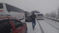 Yoğun Kar Bursa Ankara Karayolunu Trafiğe Kapattı