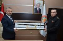 İBRAHIM GÜVEN - Başkandan Komutana Kılıç