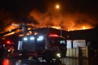 Dokuma Fabrikasında Yangın Çıktı
