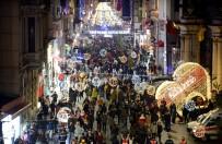 İstiklal Caddesi'ndeki yoğun kalabalık!