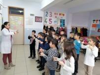 Öğrenciler İşaret Dili İle Şarkı Söylüyorlar
