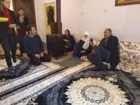 ZEHRA ZÜMRÜT SELÇUK - Şehit Ailelerine Yılbaşı Ziyaretleri