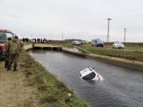 YENIKARPUZLU - Ava Giden Genç Avukatın Aracı Sulama Kanalında Bulundu
