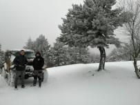 KAZDAĞLARI - Çanakkale'nin Yüksek Kesimlerinde Kar Yüksekliği 20 Santimetreye Ulaştı