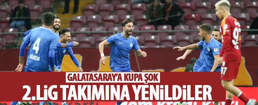 Galatasaray sahasında dağıldı!