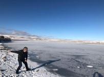Aktaş Gölü dondu